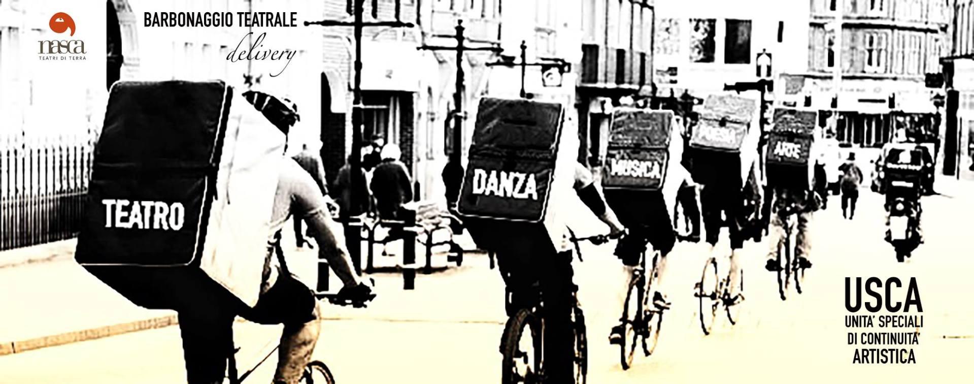 teatro-delivery-attori-biciclette-zaini